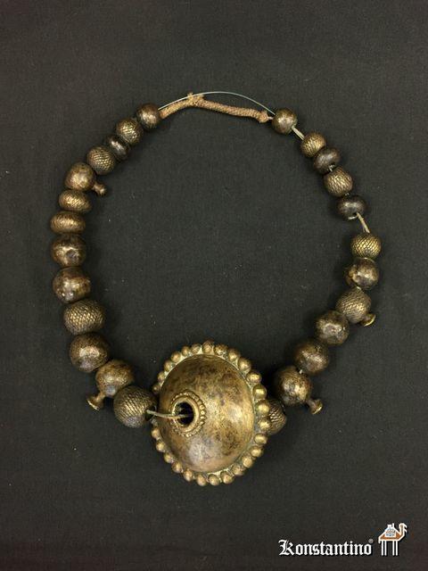 4bc1945bfc96 1324-Afr Collar de la etnia Verre en bronce